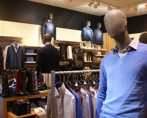 Op zoek naar een kledingwinkel? Op tubidyindir.ga vind je vrijwel alle bekende kledingwinkels met alle informatie die je nodig hebt. Zoek je specifiek naar dameskleding of herenkleding? Hieronder vind je .